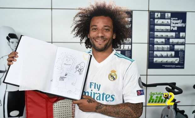 🔴 صورة.. مارسيلو يرسم نفسه